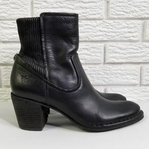 Frye Classic Ankle Boots 8 Black Leather